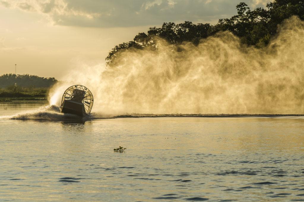Эйвери Айлэнд, штат Луизиана, место производства соусов перечных табаско озеро ложка моторная с пропеллером