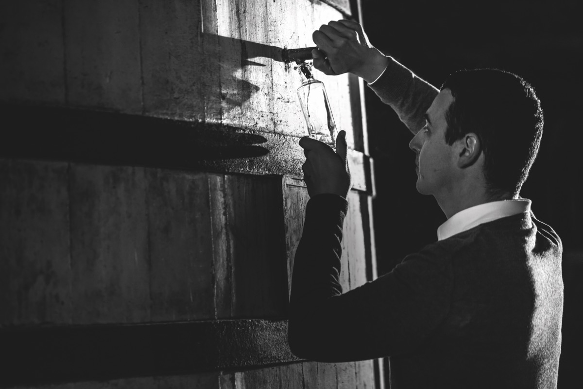 самый молодой мастер погреба коньячного дома Rémy Martin Батист Луазо