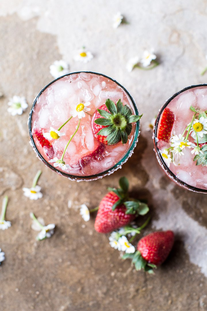 коктейль клубнично ромашковая палома