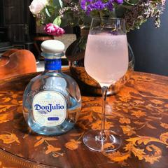 The Mexican Rose коктейль карбонизация смешанного напитка газирование коктейлей