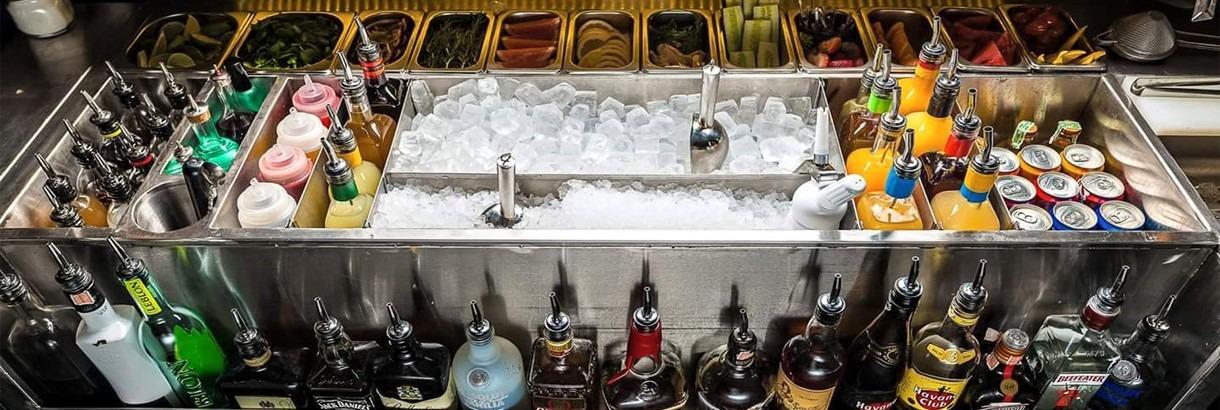 красивая барная станция