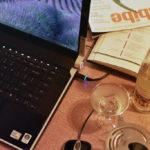 ноутбук лэптоп коктейль бокал имбайб журнал пресса молескин блокнот