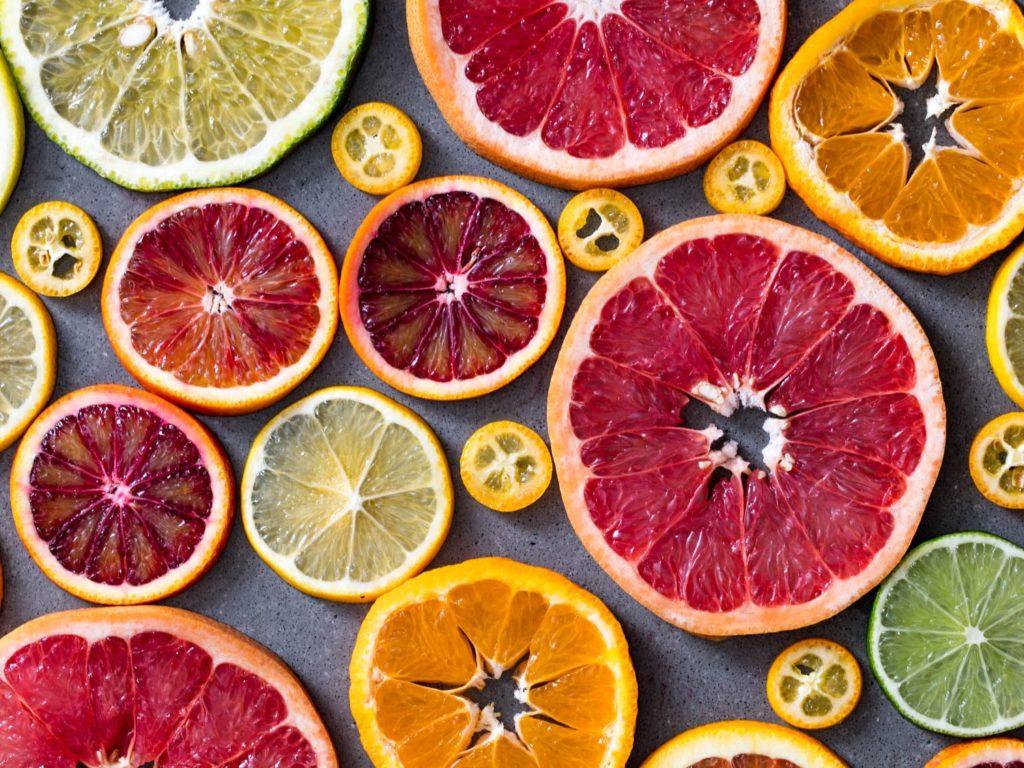 Слайсы фруктовые ломтики цитрусовые, Обширный гид по цитрусовым апельсин, лимон, лайм, грейпфрут, кумкват, мандарин, памело
