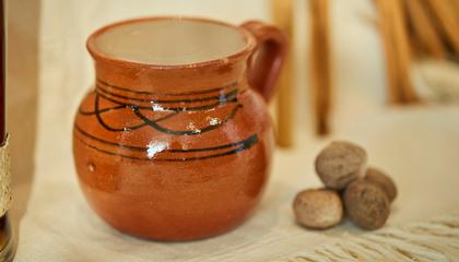 Kernel Horchata Cocktail ром коктейль глиняный горшок ваза необычная подача