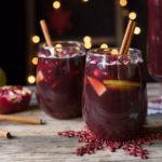 Сангрия 6 рецептов напитков коктейлей с вином бокалы на барной стойке