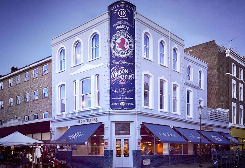 Стильный бутик-отельDistilleryрасположен на лондонской улицеПортобелло-Роуд.